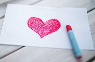 sentimientos y dibujo de un corazón