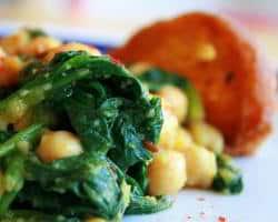 comida con espinacas