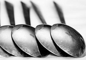 remedio casero con cucharas