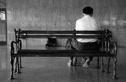 persona mayor sola